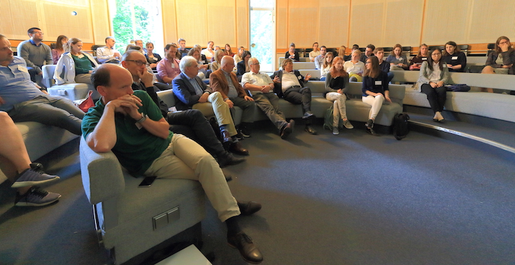 Retreat 2018: concentrated listening to the scientific presentations